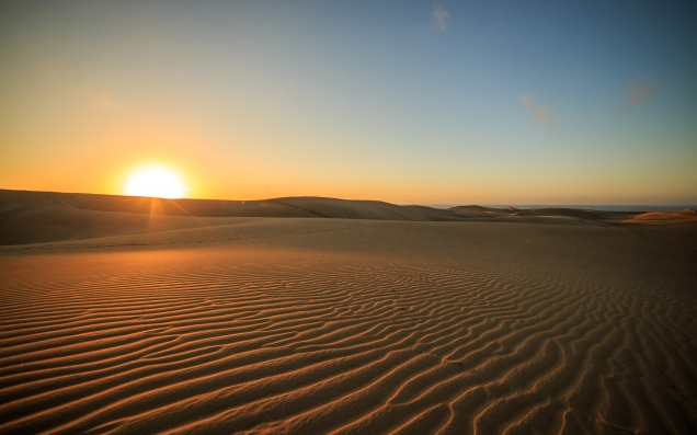 desert-sunset-sunlight-wallpaper-1